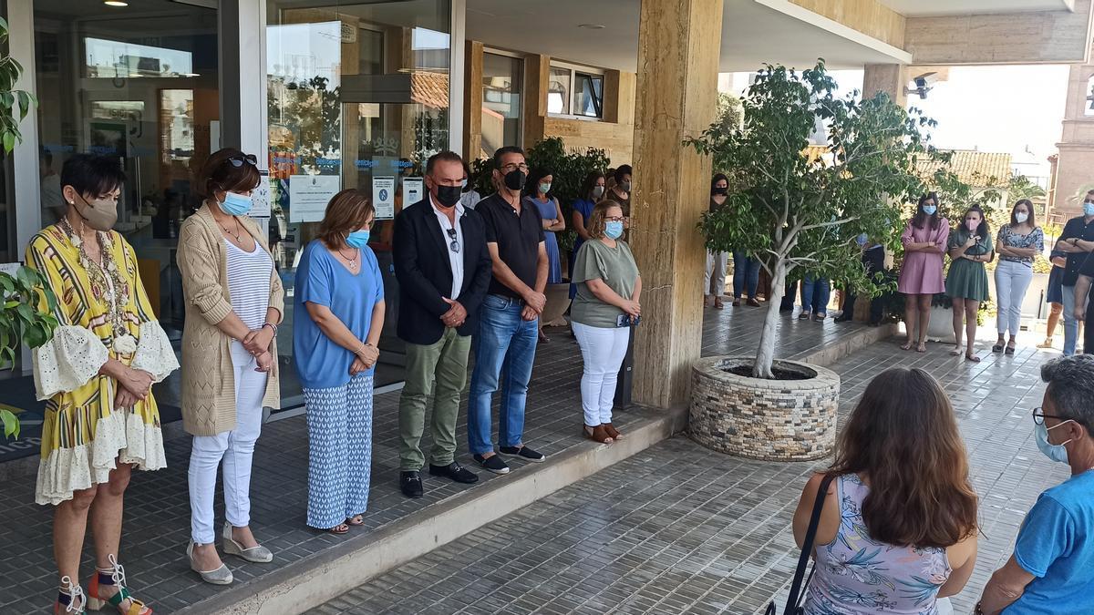 El Ayuntamiento de Benicàssim también se sumó a la convocatoria