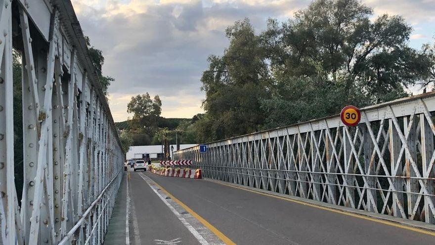 El Puente de Hierro de Palma del Río permanecerá cortado a partir de este martes para vehículos y peatones