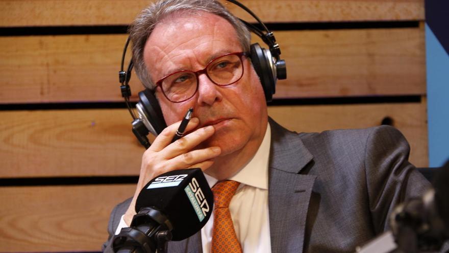 Aquí, amb Josep Cuní, de la SER, s'emetrà des del Teatre Museu Dalí de Figueres