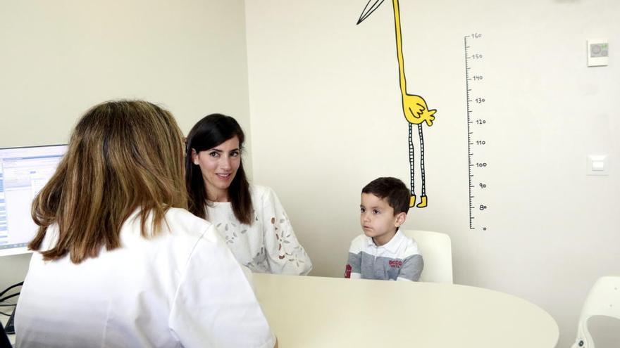 Tracten amb èxit un infant amb leucèmia utilitzant la immunoteràpia CAR-T finançada per primer cop per la sanitat pública