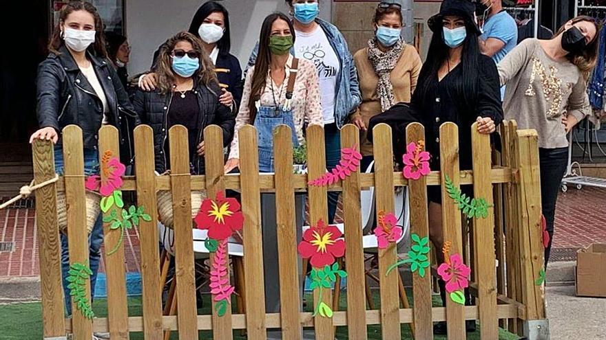 Alumnas del SOIB decoran las terrazas de Santa Eulària