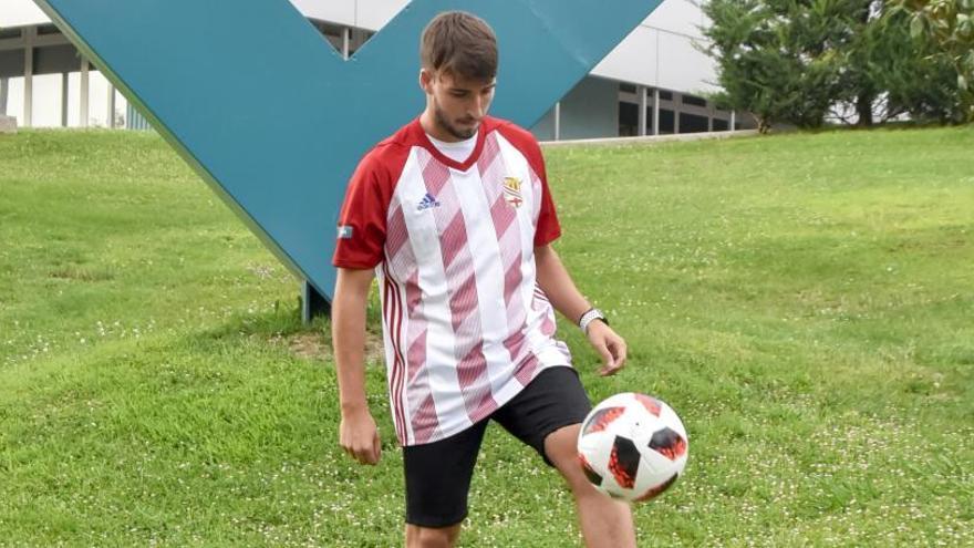 Erik Sarmiento continuarà a les files del Manresa