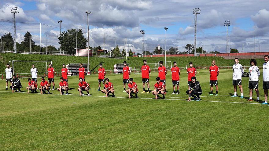 El cuerpo técnico del Sporting B, confinado por otro positivo