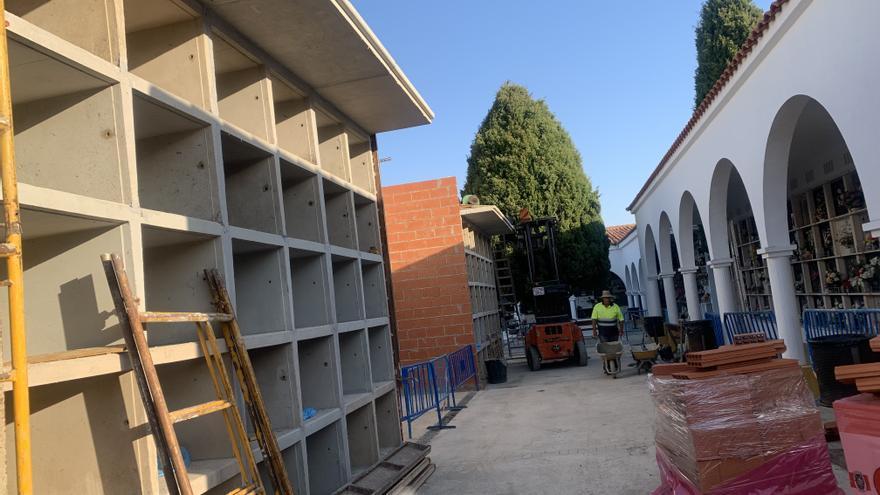 Inician las obras para construir 60 nichos nuevos en el cementerio de Coria
