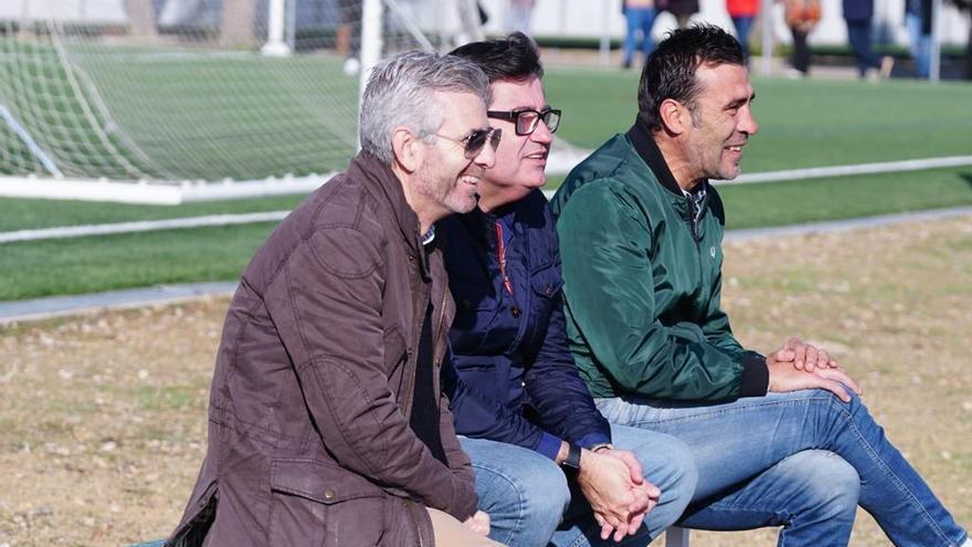 González Calvo, Bernabéu y Agné presencian el partido del Femenino