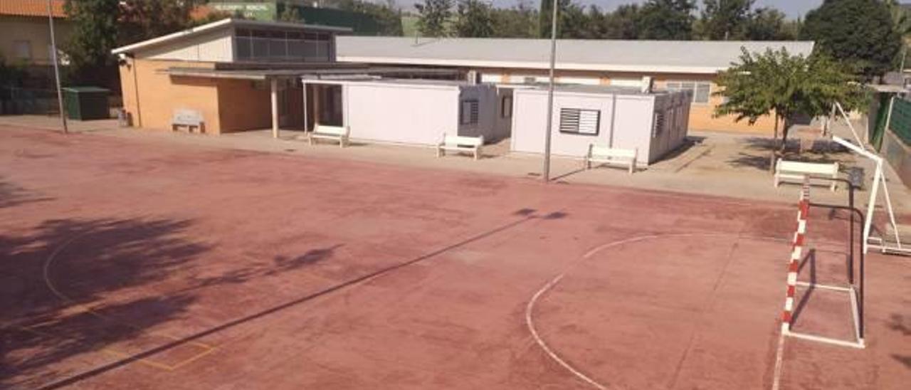 El actual colegio se derribará y será el nuevo patio.