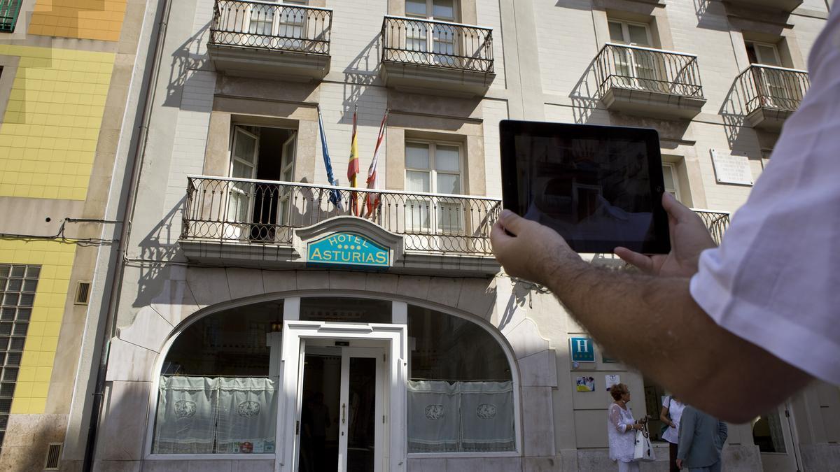 Una vista del hotel Asturias, donde se rodó la película