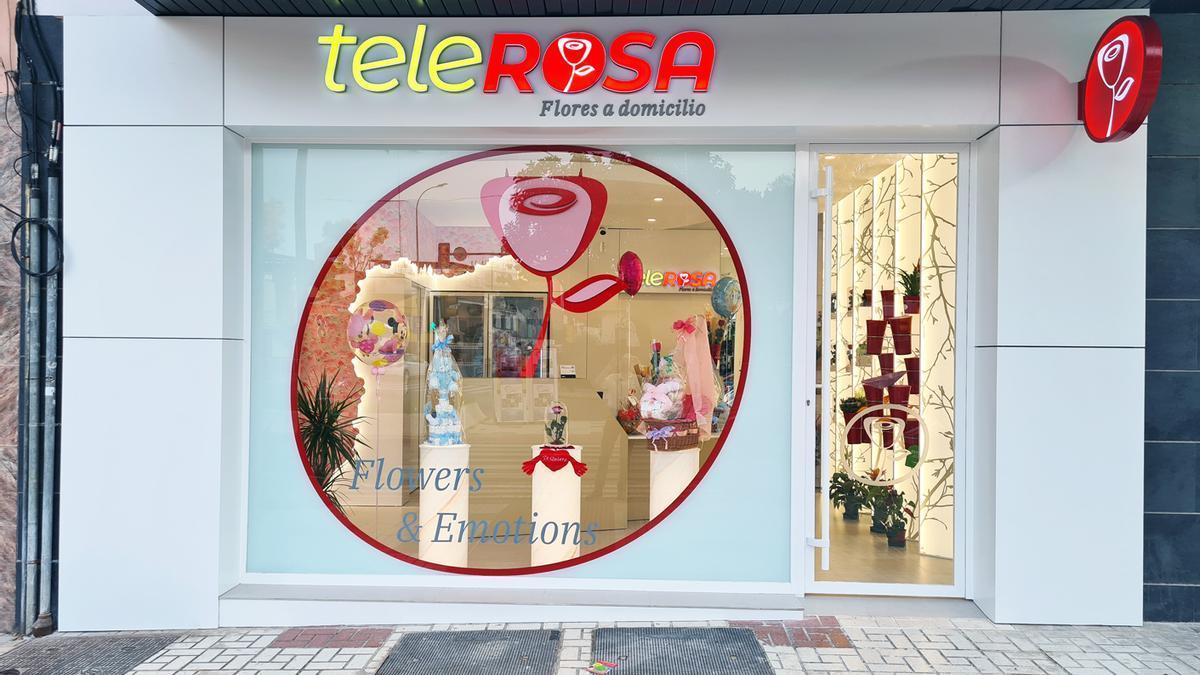 Fachada de la tienda de Telerosa junto al Hospital Materno.