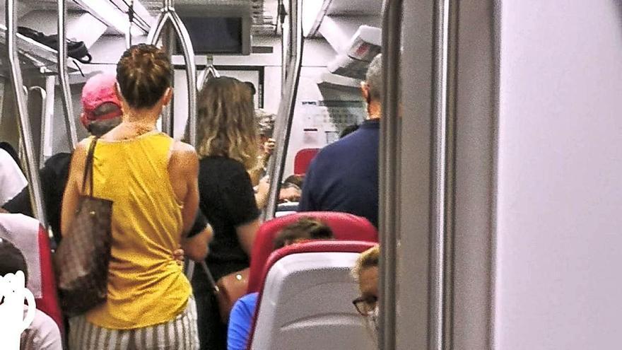 Denuncian la «saturación» de los trenes en el primer día de reducción de frecuencias