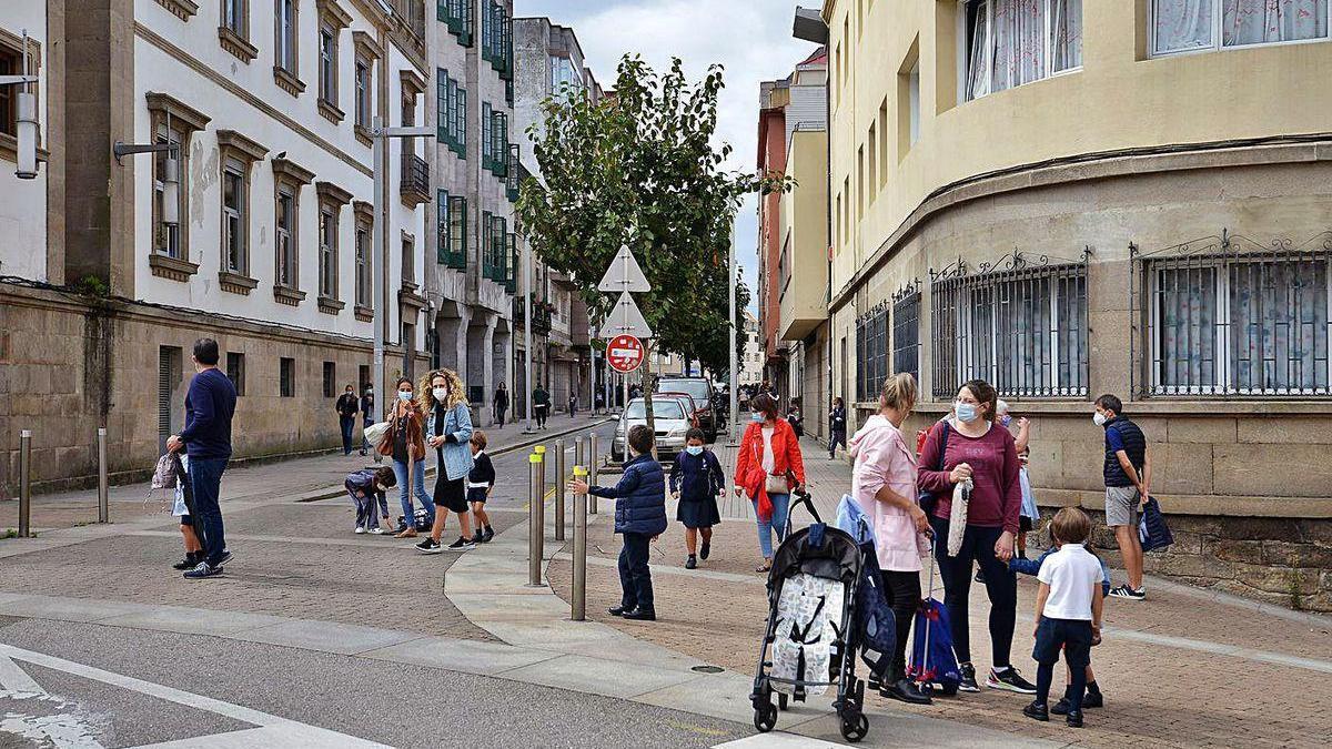 Calle Alfonso XIII, con los colegios Froebel y Doroteas, que se cerrará a la circulación.