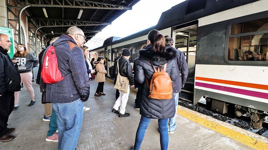 La línea Alcoy-Xàtiva recupera varios trenes con su reapertura