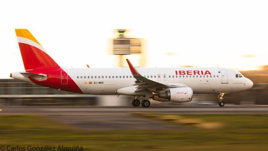 """Aeropuerto de Vigo: cuatro destinos y una """"resurrección"""" por Semana Santa"""