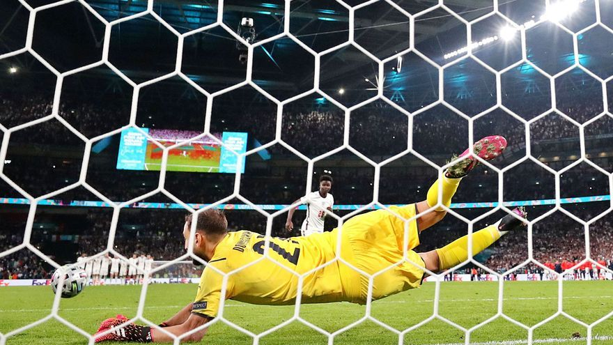 Itàlia es corona a Wembley