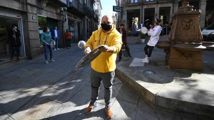 """Cacerolada en Pontevedra contra la """"muerte"""" de la hostelería por las restricciones"""