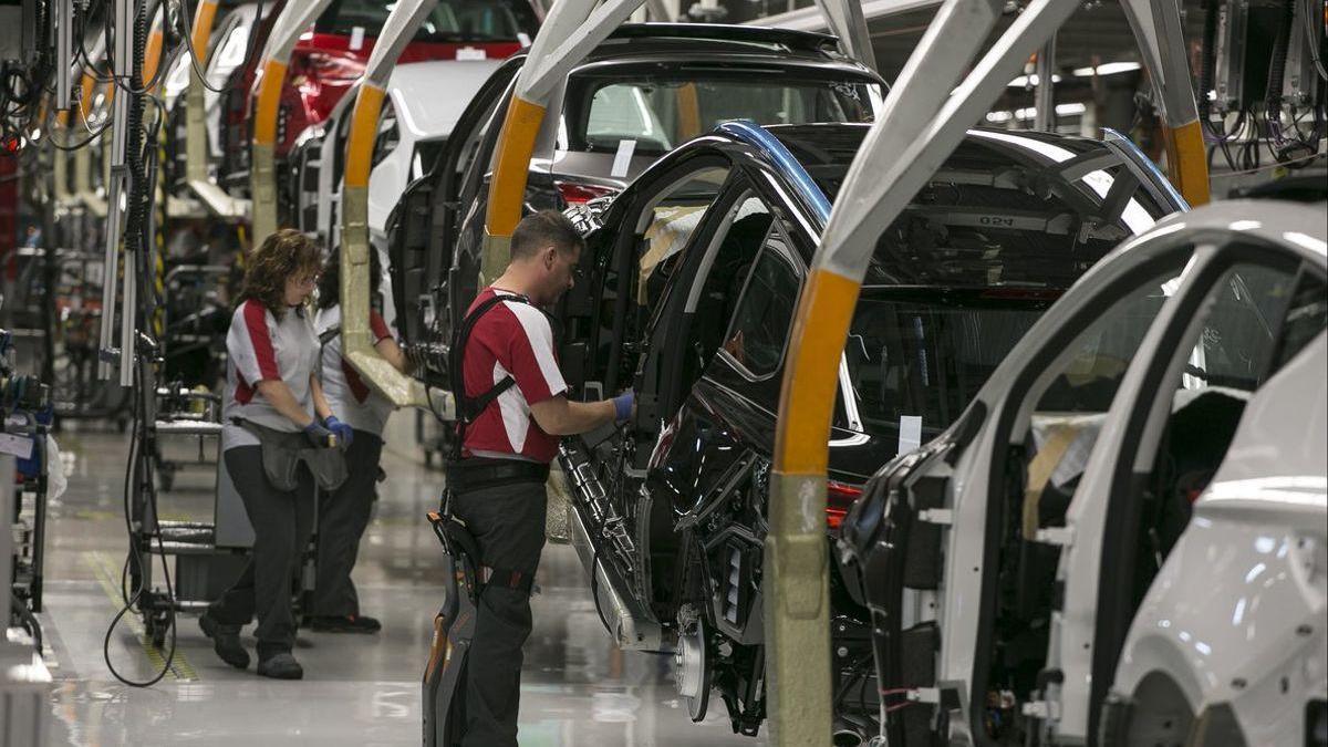 La producción de vehículos en España cayó un 19,6% en 2020
