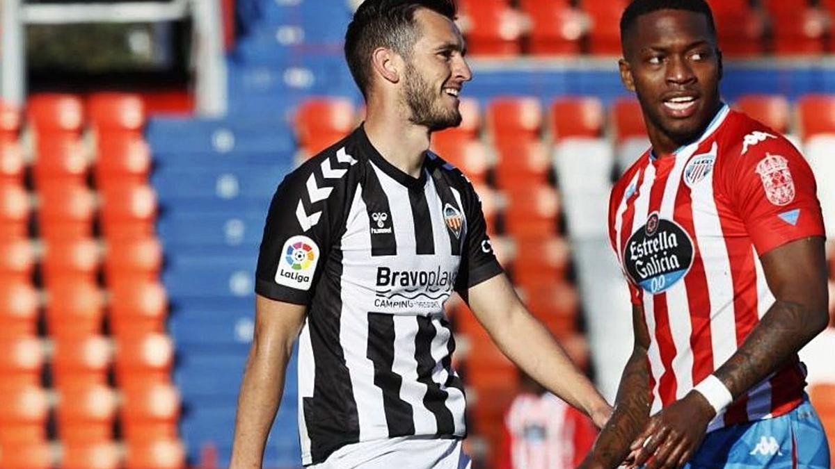 Adrián Lapeña, durante un partido entre el Castellón y el Lugo. |  // LALIGA