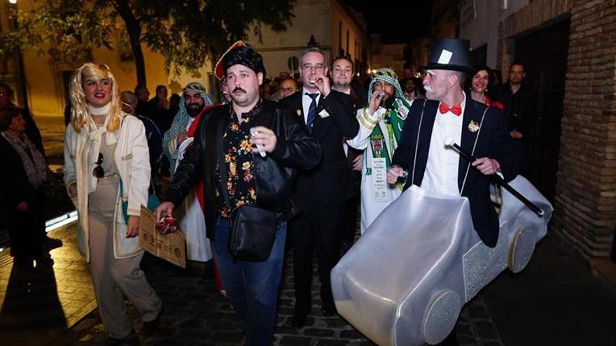 El carnaval de Córdoba se renueva con una cabalgata multitudinaria