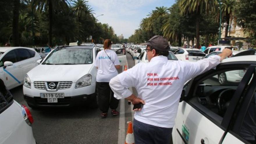 El sector del taxi de Málaga planea convocar una manifestación de protesta