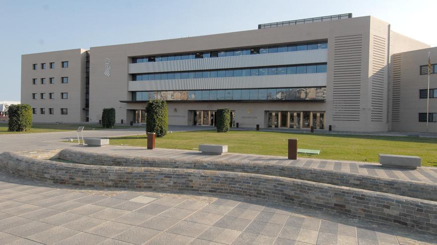 Un matrimonio de Castellón consigue librarse de una deuda de casi 180.000 euros y conservar su casa