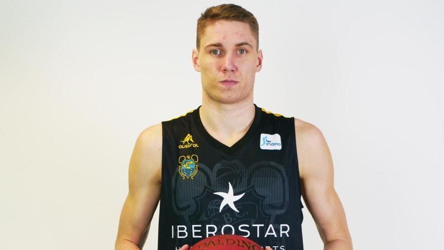 L'estonià Joesaar ocuparà la posició d'ala alt que deixa vacant Pere Tomàs