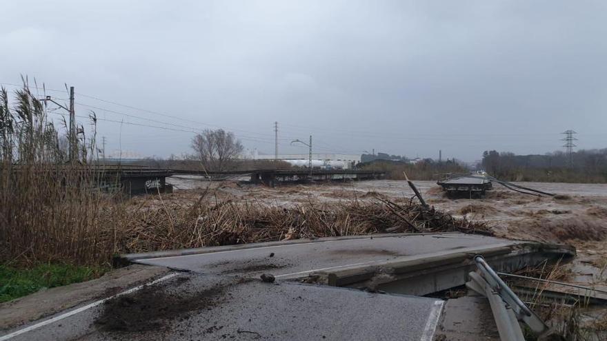 La Tordera malmet el pont del tren i destrossa el de la carretera de Blanes a Malgrat