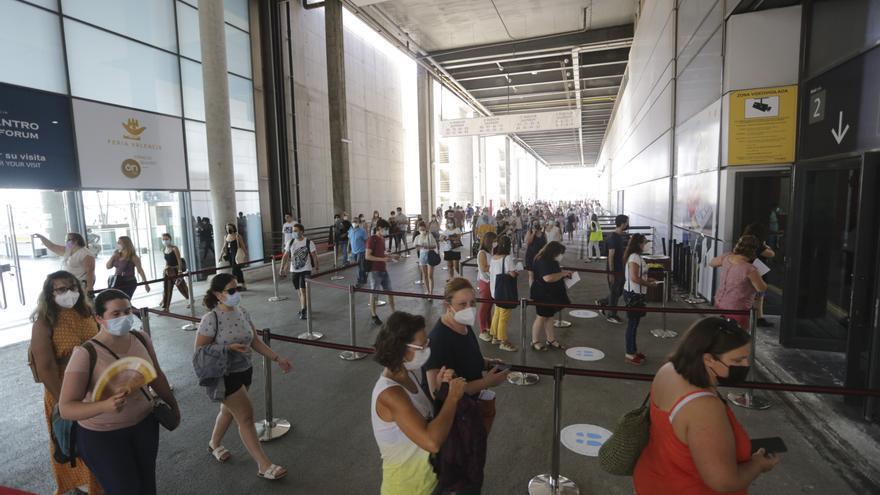 10.000 personas se examinan en Valencia para cubrir 178 puestos fijos en Correos