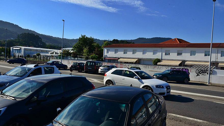 Fervenza señala que el nuevo vial que cruzará el colegio de Reibón podría tener ocho metros
