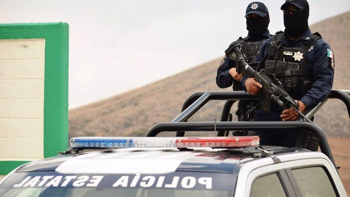 Mueren cinco secuestradores y rescatan a seis víctimas en México