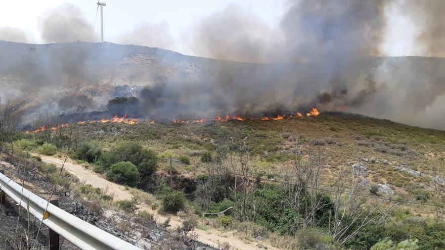 Estabilizado el incendio forestal en Cañete la Real