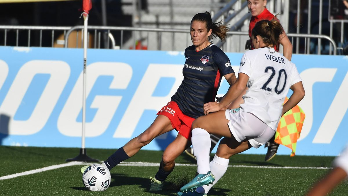 A game of the American women's soccer league.