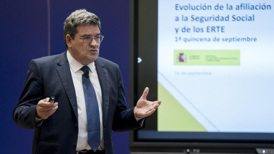 El Gobierno negocia con los agentes sociales nuevos ERTE con mayores exoneraciones sociales vinculadas a la formación