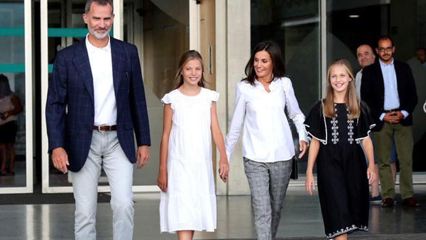 La Princesa Leonor sorprende con un vestido 'low cost' de menos de 30 euros