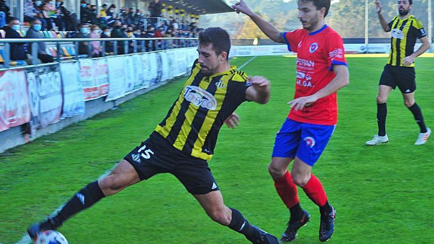 El Ribadumia pone el fútbol y el Barco se lleva los puntos