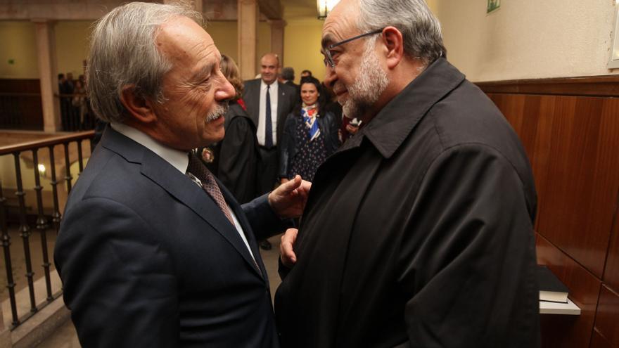 El Arzobispo aclara al PSOE ovetense que sus críticas del Corpus no iban dirigidas al tripartito