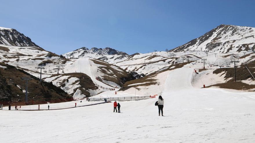 Les estacions d'esquí de FGC tanquen aquest dilluns amb un 30% d'ocupació a Girona