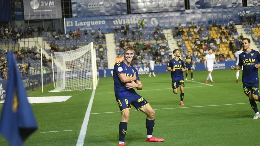 El UCAM Murcia disipa las dudas con una exhibición ante el Real Madrid Castilla (3-0)