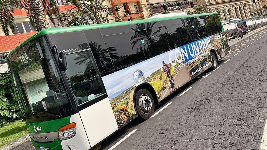 CC pide la retirada de la campaña «sexista» de la Transvulcania Bike