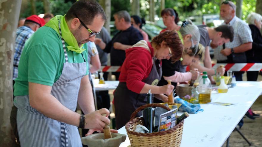 La Fira de l'Allioli de Creixell reconeix els cuiners Carme Ruscalleda i Albert Raurich
