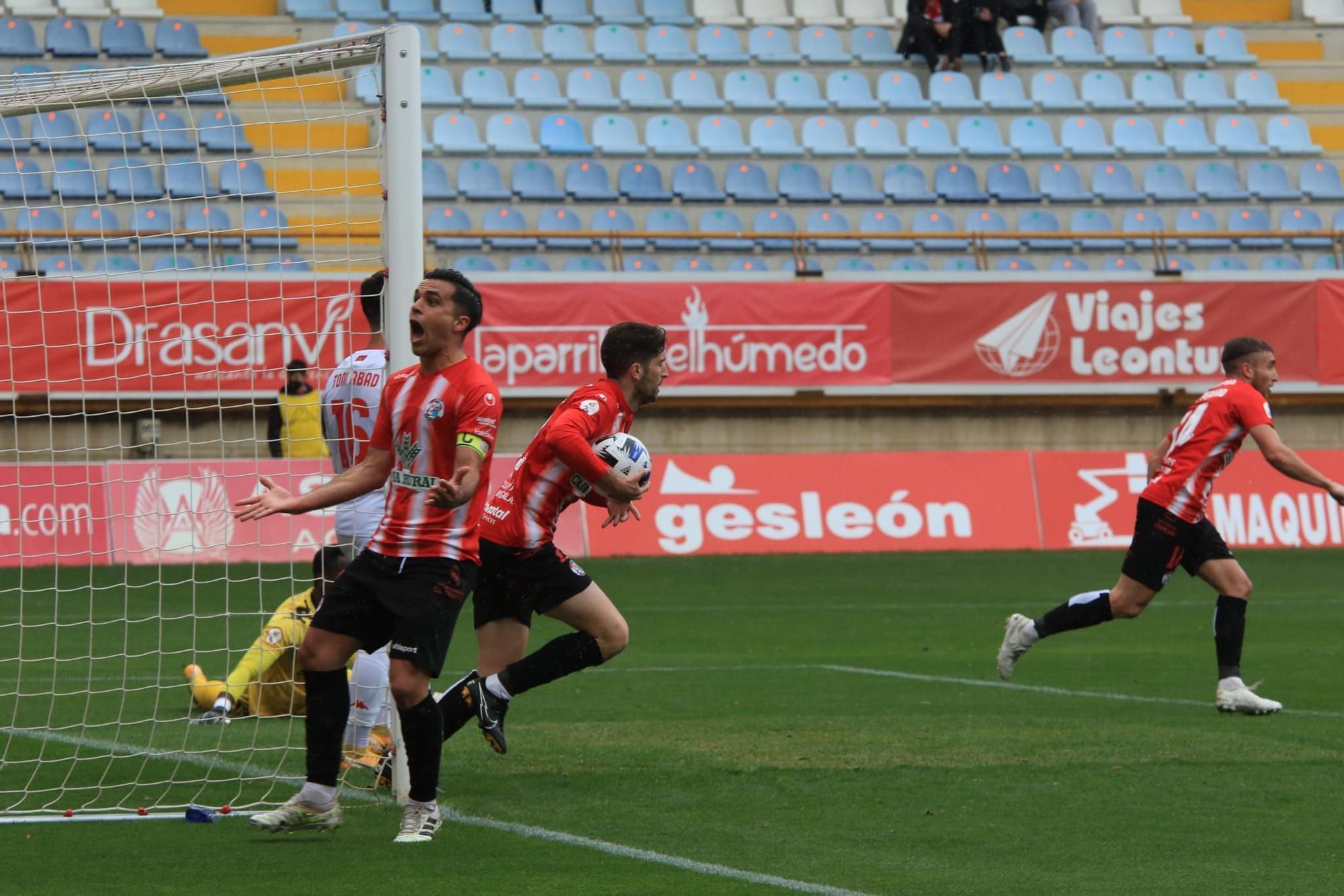 GALERÍA | Las mejores imágenes del partido Cultural Leonesa-Zamora CF (2-2)
