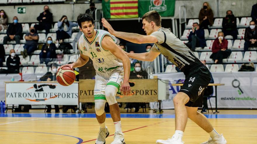 El TAU Castelló cede el triunfo ante el Leyma Coruña en el último suspiro (77-78)