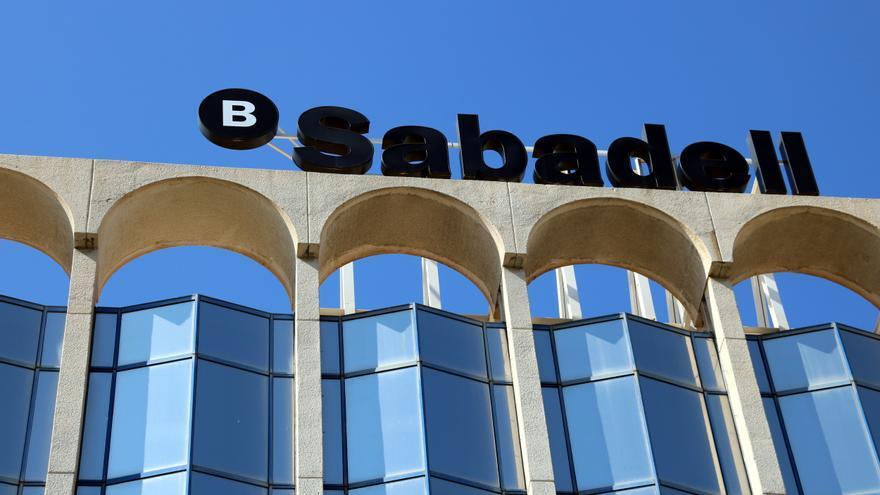 El Banc Sabadell anuncia un nou ERO que afectarà tots els centres de treball de l'entitat