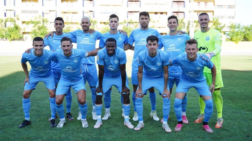 Villar y Bogusz se estrenan en la victoria de la UD Ibiza sobre el Al Raed
