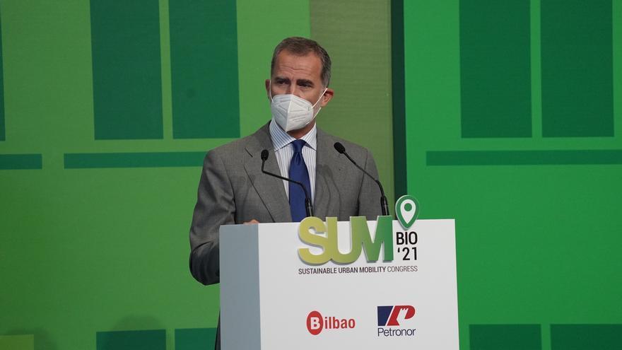 El Rey anima a las empresas españolas a implicarse en la nueva movilidad sostenible