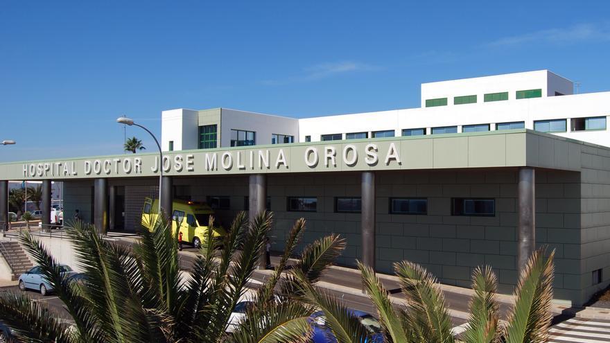 Una mujer grave tras quedar atrapada en su coche al chocar con otro vehículo en Lanzarote