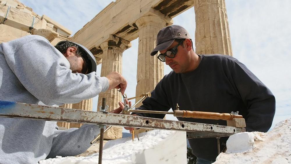 Grecia - La artesania del marmol tiniota, expresión de la identidad cultural de la isla de Tinos.