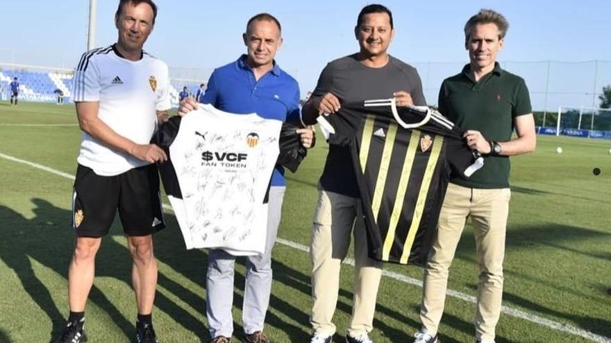 El Real Zaragoza y el Valencia homenajearon a Fernando Cáceres