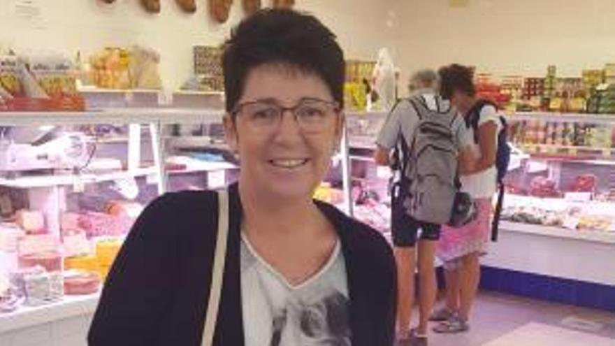 Ana Albisu cocina la mejor «pebrera farcida» de Oliva