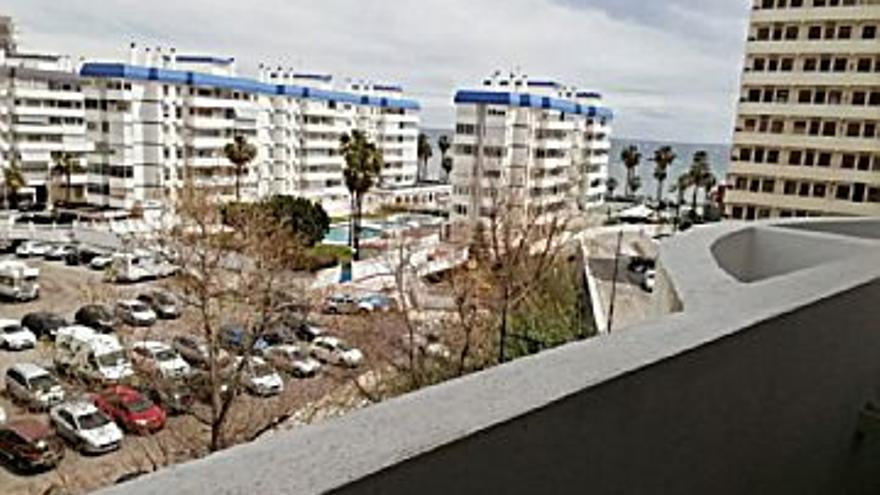 650 € Alquiler de piso en Torrequebrada (Benalmádena) 40 m2, 1 habitación, 1 baño, 16 €/m2, 3 Planta...