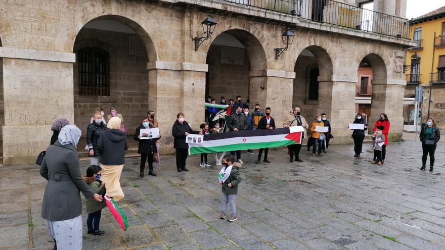 Toro se concentra para exigir la libertad del pueblo saharaui