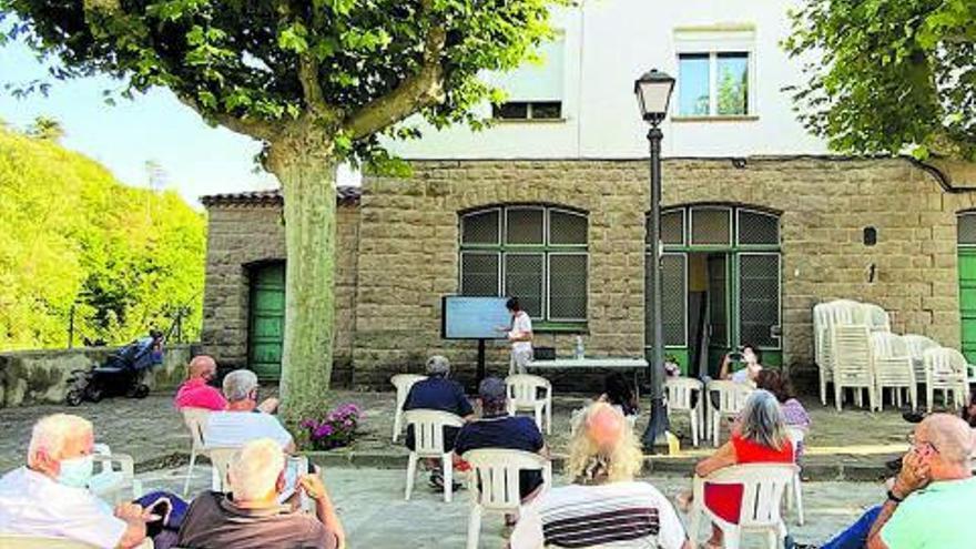 Presentació dels projectes urbanístics per revitalitzar les colònies a Viladomiu Vell